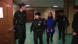 Суд арештував підозрювану у вбивстві дитини у Москві на два місяці (відео)