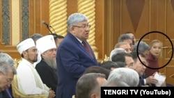 Асель Курманбаева среди слушателей «послания» Назарбаева в 2018 году