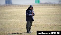 Приречное аулының тұрғыны Айман Ақтан. Ақмола облысы, 20 сәуір 2021 жыл.