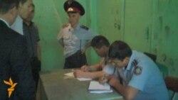 Полиция бұғауындағы журналистер