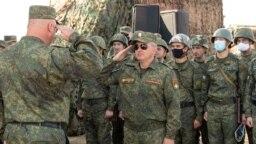 Лидер Приднестровья Вадим Красносельский на военных учениях