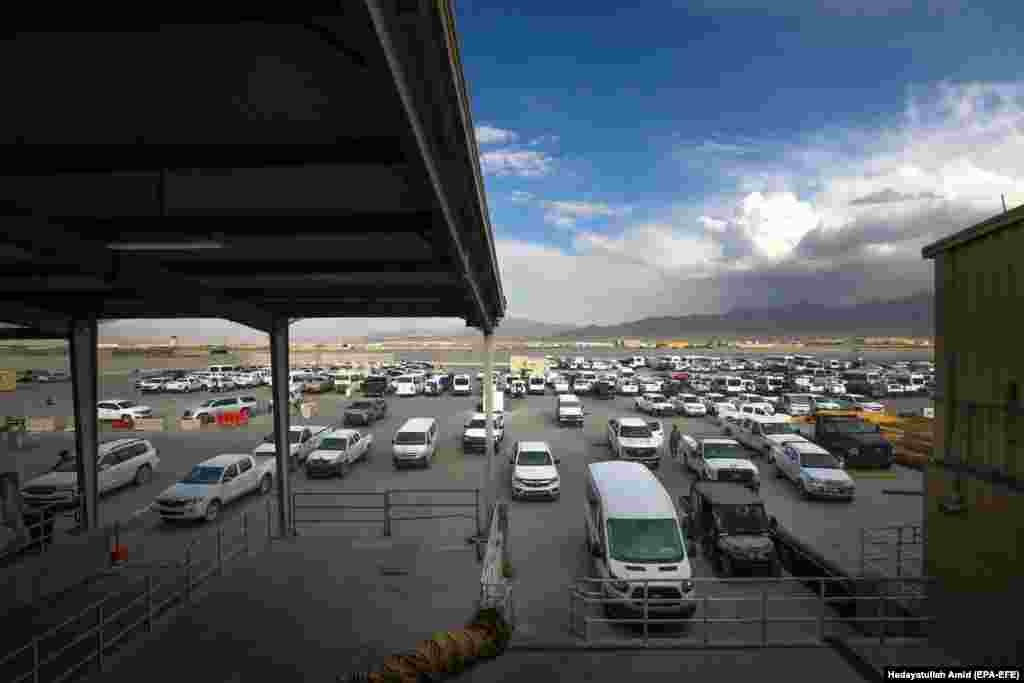 Vehicles left behind by U.S. forces at Bagram Airfield, some 50 kilometers north of the capital, Kabul. The base was hastily vacated on July 2 and is currently under the control of the Afghan military.