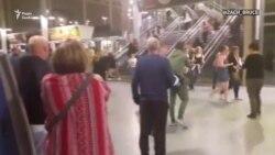 Люди в паніці залишають стадіон у Манчестері (відео очевидців)