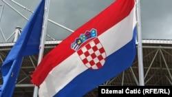 Flamuri i BE-së dhe Kroacisë.