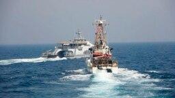 عکسی که نیروی دریایی آمریکا از مواجهه روز دوم آوریل منتشر کرده است