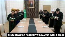 Встреча президента Туркменистана Гурбангулы Бердымухамедов по видеосвязи с членами правительства, 8 февраля, 2021. Бердымухамедова 8, 2021. Кадры государственного телевидения Туркменистана
