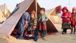 کودک یک خانواده بیجاه شده داخلی به علت سردی هوا در جوزجان جان باخت