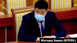 Дамирбек Назаров парламенттин сессиясында. 20-январь, 2021-жыл.
