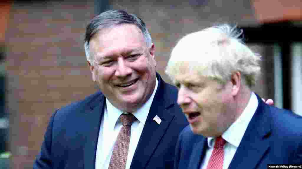 ВЕЛИКА БРИТАНИЈА - Американскиот државен секретар Мајк Помпео пристигна во Британија за да разговара со премиерот Борис Џонсон за Кина, 5G и договорот за слободна трговија по Брегзитот.
