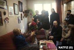 Надежда Сейкова на 90-ия си рожден ден в дома си.