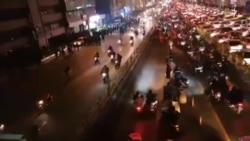 تجمع معترضان در حوالی پل نواب تهران-۲۲ دی ۹۸