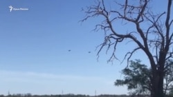 Российские вертолеты отрабатывают упражнения (видео)