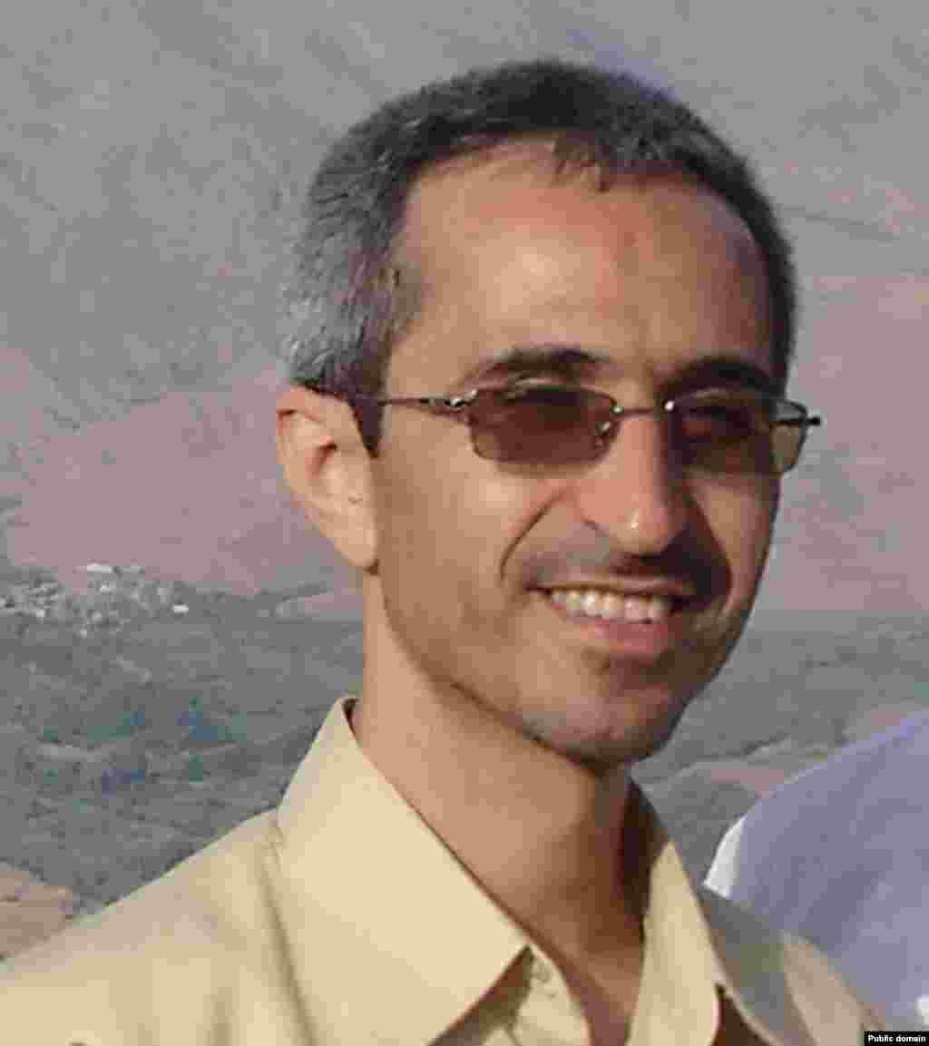 Маџид Шахријари (1966-2010) Шахријари беше нуклеарен научник кој соработуваше со Организацијата за атомска енергија на Иран.