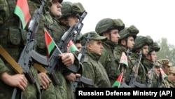 Militari bieloruși la ceremonia de deschidere a exercițiului Zapad 2021.