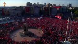 У Стамбулі опозиція і владна партія мітингують разом проти спроби перевороту (відео)