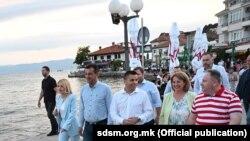 Партиските функционери се растрчаа низ Македонија во изборна година