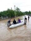 Inundațiile au transformat în mlaștină terenul din jurulunei centrale solare din afara orașului Ivano-Frankivsk, în vestul Ucrainei.