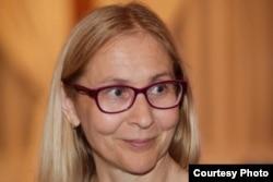Gabriela Păcurar a emigrat în 2005. Vorbește despre dificultățile medicinei în România.