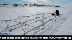 Подготовка к поиску колоколов на дне реки у деревни Чингис.