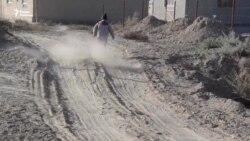 Бездорожье в Талсуате: пыль и грязь