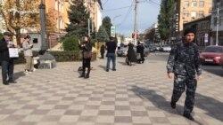 В Махачкале прошел пикет отца убитых братьев Гасангусеновых