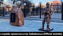 """Памятник """"Вежливые люди"""" в Чите"""