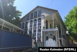 Местная мечеть.
