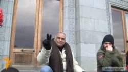 Հովհաննիսյան. «Ոստիկանները իրենք իրենց ձեռքով պետք է տեղադրեն վրանը»
