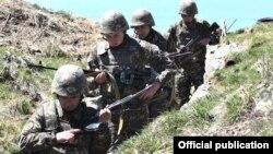 Армянские военнослужащие на границе с Азербайджаном. Май 2021 года