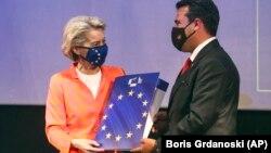 Претседателката на Европската комисија Урсула фон дер Лајен и премиерот Зоран Заев, Скопје, 28 септември, 2021