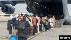آرشیف، روند تخلیه افراد از میدان هوایی بینالمللی کابل