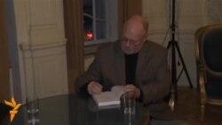 ტიმ კაჰილი მწერლობასა და მოგზაურობაზე