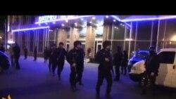 Міліція з автоматами блокує «Правий сектор» у готелі Дніпро