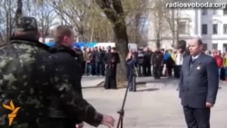 У Дніпропетровську добровольці з полку національного захисту склали присягу й заклали монумент Небесній сотні
