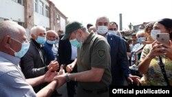 Armenia -- Prime Minister Nikol Pashinian visits Khndzoresk village in Syunik province, September 12, 2020.