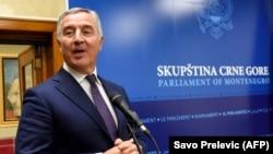 Подгорица- црногорскиот претседател Мило Ѓукановиќ се обраќа во парламентот, 02.12.2020