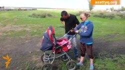 Молодая семья пытается восстановить свой дом