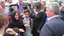 Trei președinți vizitează un lagăr de migranți din Macedonia