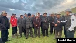 Кызыл-Октябрь айылынын тургундары.