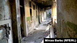 Clădirile abandonate din Timișoara au devenit refugiu pentru imigranții afgani ajunși pe malurile Begăi.