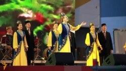Татарстанның җыр һәм бию ансамбле FINA паркында борынгы татар җырларын ишеттерде