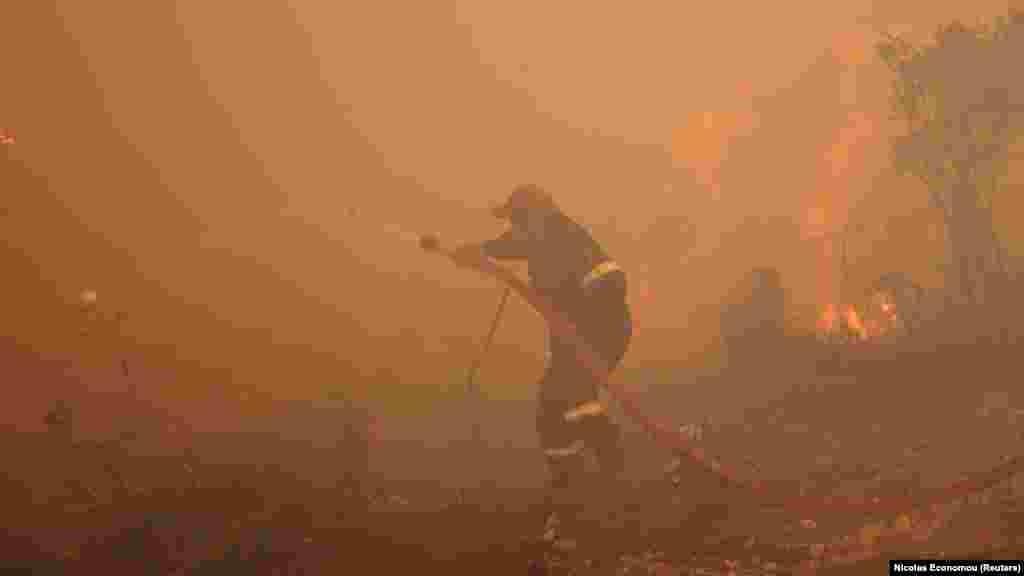 Az oltásban lengyel és cseh tűzoltók is segítenek.