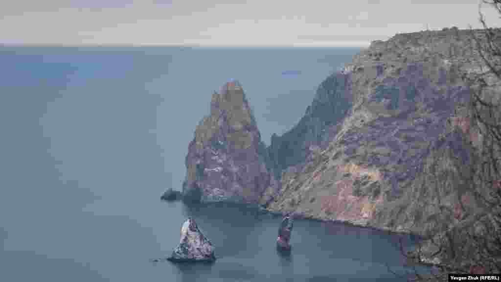 Скелі Орест і Пілад, розташовані в Чорному морі поблизу мису Фіолент. Більше фото тут