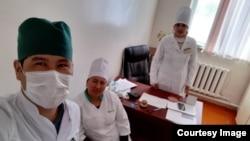 Нурлан Абдужалил уулу с коллегами.