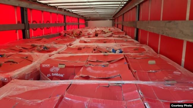 Kamioni ku u zbuluan migrantët e fshehur.
