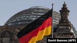 Представитель федеральной прокуратуры Германии заявил журналистам 9 сентября, что расследование открыли «по подозрению в шпионаже»