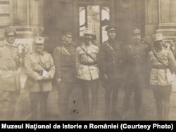 Ofițeri din Misiunile Militare Aliate în România, 1917. Sursa: Expoziția Marele Război, 1914-1918