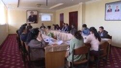 Шӯрои ВАО гузориши нақзи меъёрҳои ахлоқи рӯзноманигориро рӯнамоӣ кард