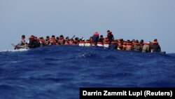 Мігранти шукають різні шляхи, щоб дістатися країн Європейського союзу (фото ілюстративне)