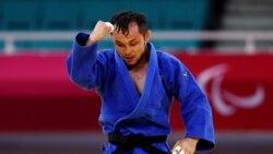 Жол апатынан жанарына зақым келген Әнуар Сариев паралимпиадада күміс алды